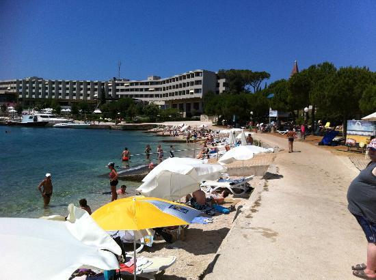 Island Hotel Istra: Strandabschnitt
