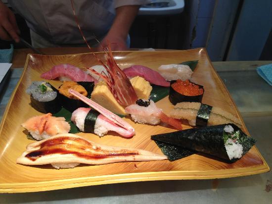 Umegaoka Sushi No Midori Sohonten Shibuya: Selcetion of sushi