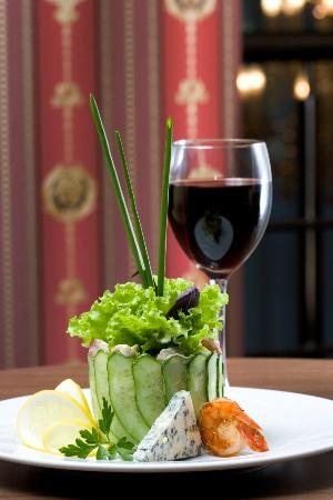 The Manhattan Hotel Restaurant: Manhattan Salad