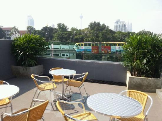 i-hotel @ Maharajalela: The roof top with Kuala Lumpur view@i-Hotel, Jalan Maharajalela.