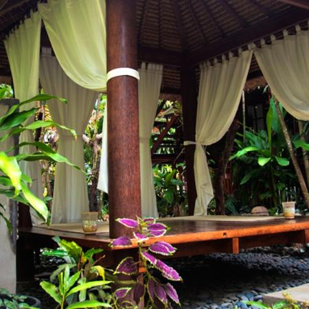 Raintree Lodge is a tranquil setting
