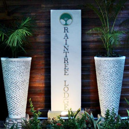 Welcome to Raintree Lodge!