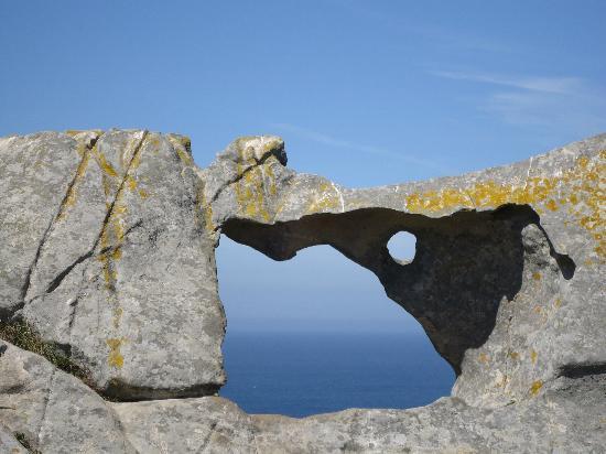 Playa de Rodas: dibujo en la piedra