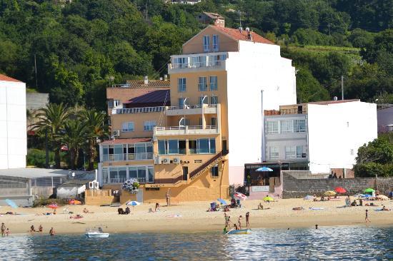 Hotel Loureiro: El hotel visto desde la playa