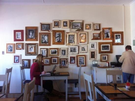 Grand Cafe Robertson: photo wall