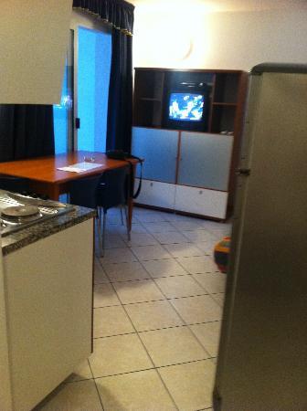 Splendid Golden Rocks Resort: coin cuisine et salle à manger