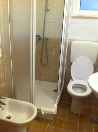 Splendid Golden Rocks Resort: salle de bain