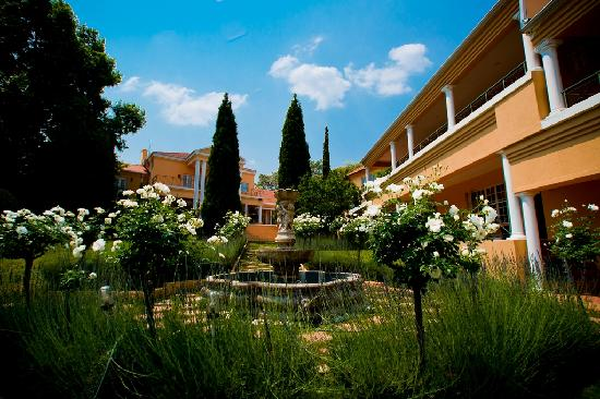 Little Tuscany Boutique Hotel: Gardens