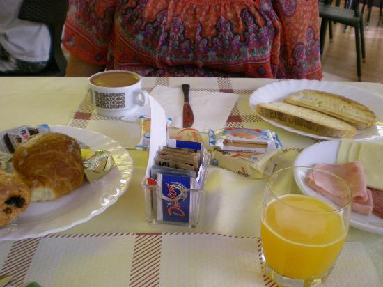 Hotel Galileo : El desayuno