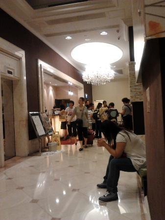 Newton Hotel Hong Kong: Hotel Lobby