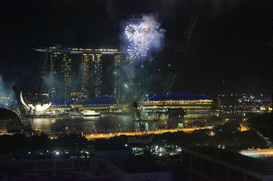 Peninsula Excelsior Hotel: Fireworks in the Harbour and light show at Marina Bay Sands