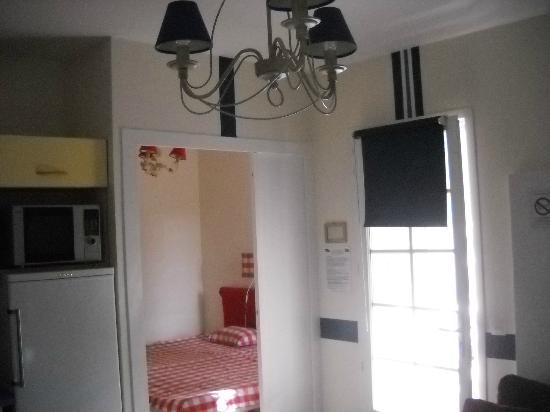 Les Collines Iduki : sallon salle à manger