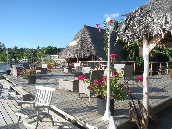 Bora Bora Yacht Club : A perfect spot to swim and relax.