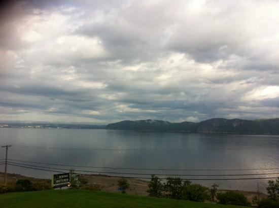 Auberge Des Battures Enr : great view of the Fjord