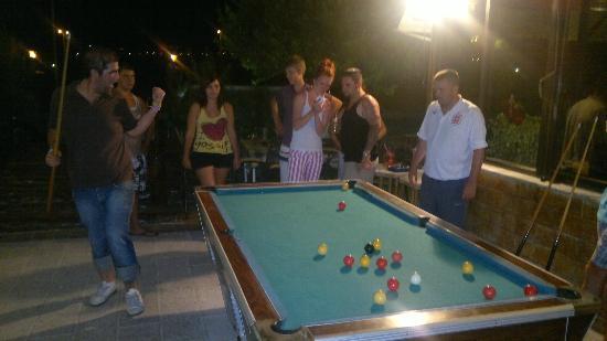 Tsampika Hotel : Everybody enjoyed 'killer pool'