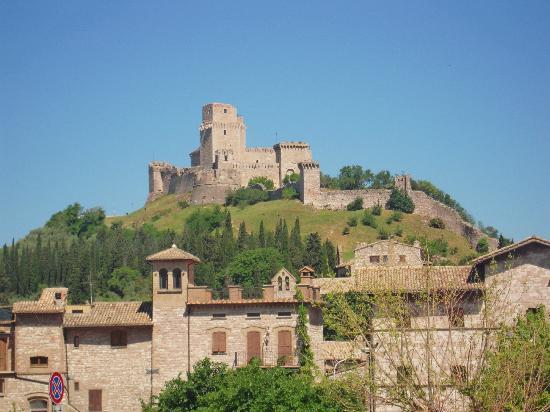 Imagini pentru Rocca Maggiore