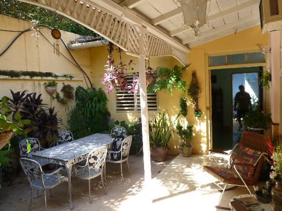 de koloniale woonkamer - Picture of Casa Sarahi, Trinidad ...