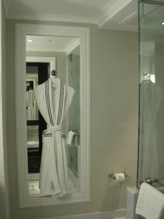โรงแรมเดอะเซอร์เรย์: Complimentary