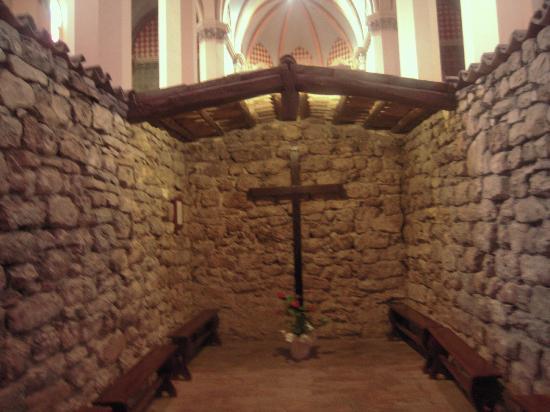 "Santuario di Rivotorto: Il sacro ""Tugurio"""