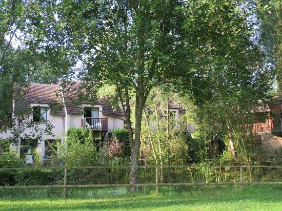Logis Domaine de l'Arbrelle : parte della struttura vista dal giardino