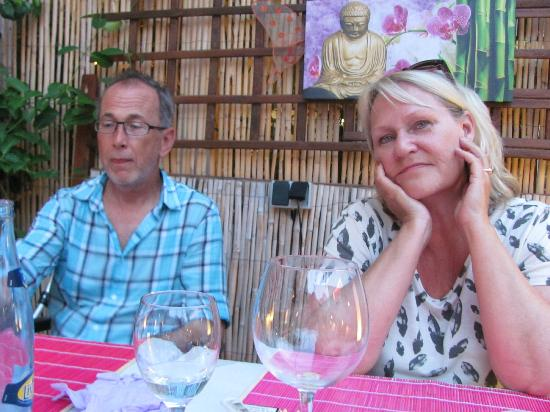 Restaurante Indonesia: Janne and Gunilla all the way from Sweden
