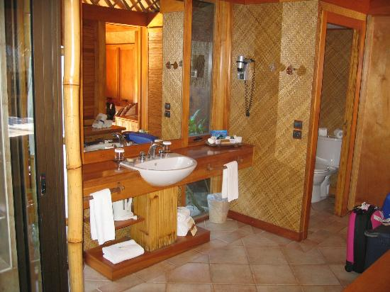 Bora Bora Pearl Beach Resort & Spa: Bagno
