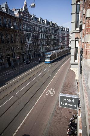 Hotel La Boheme: Front street view