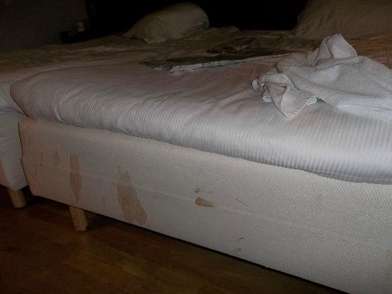 Dutch Design Hotel Artemis: 4 star bed cleanliness?