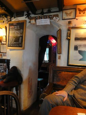 The Pigs Nose Inn: 'The Snog' Little alcove area with two little tables