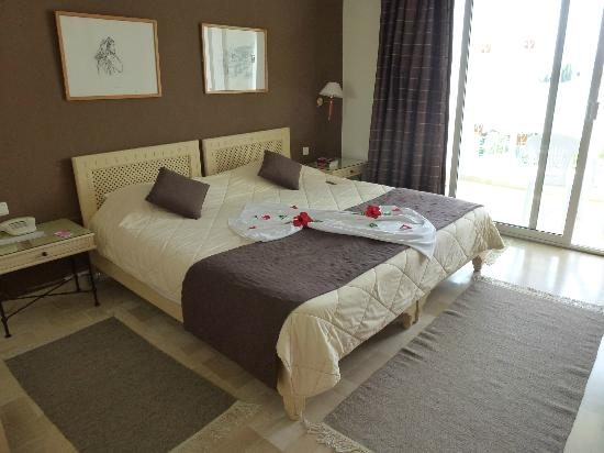 Vincci Flora Park: Our room 322!!