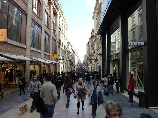 Le Centre Ville Rue Du Parlement Sainte Catherine Bordeaux