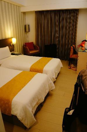 Mola Mola Four Seasons Hotel: Double room