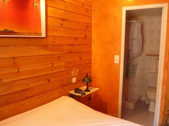Hotel De La Poste- Font-Romeu : Habitacion 12
