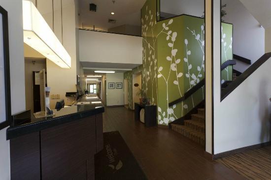 Sleep Inn, Inn & Suites Omaha: Lobby