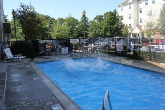 TownePlace Suites Boston North Shore/Danvers : pool of the hotel