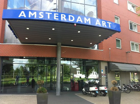 WestCord Art Hotel Amsterdam: The Entrance