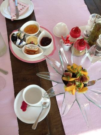 Vellianitatika Retreat: breakfast