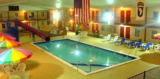 Westgate Inn & Suites: Pool Area