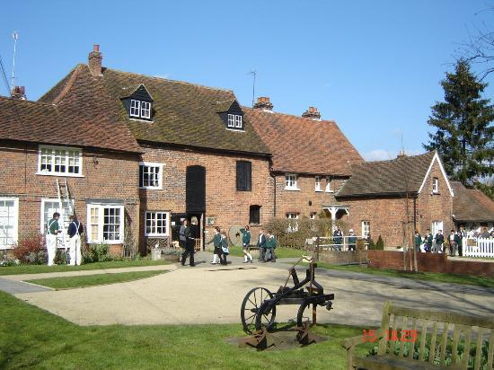 ‪Mill Green Museum and Mill‬