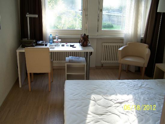 Hotel Alpenblick: Room