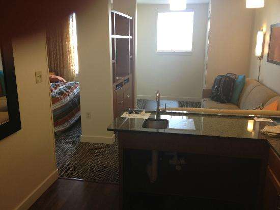 HYATT house Denver Airport: Pic from door