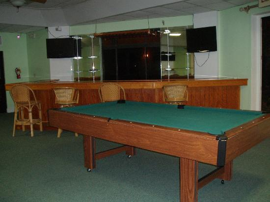 Sunrise Resort & Marina: Billiard