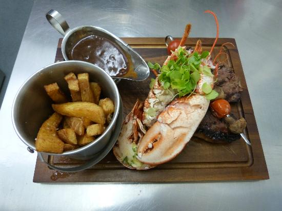 Harbourside Grill: Surf and Turf