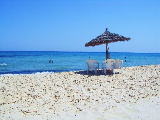 Sol Azur Beach Hotel: Beach