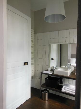 La Maison Theodore: salle de bain