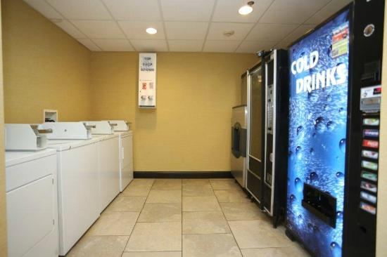 Comfort Inn Airport Turfway Road: Laundry Facilities