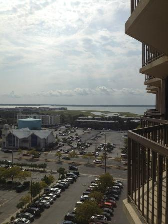 Clarion Resort Fontainebleau Hotel - Oceanfront: blacony to the right bay left beach nice view but small balcony