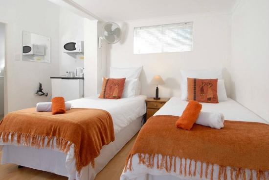 Eltham Lodge: Twin-King guest room