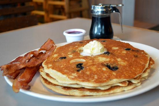 Egg Harbor Cafe: Blueberry Pancakes and Bacon