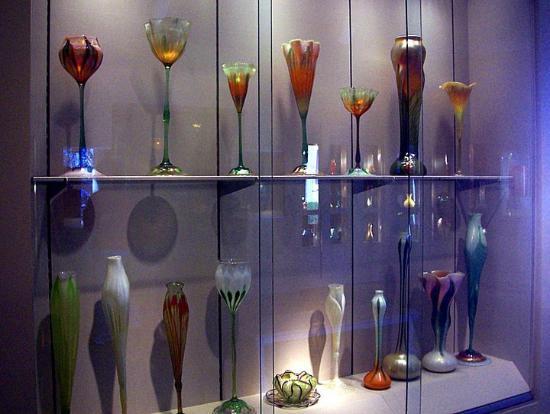 Chrysler Museum of Art: the glass display